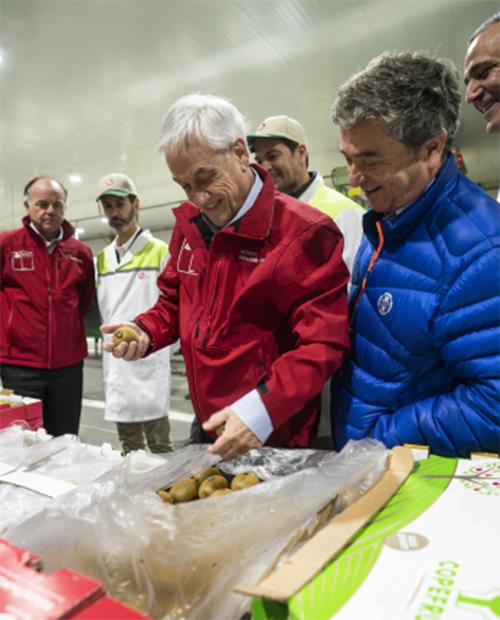 Presidente de la República, Sebastián Piñera visita Copefrut.